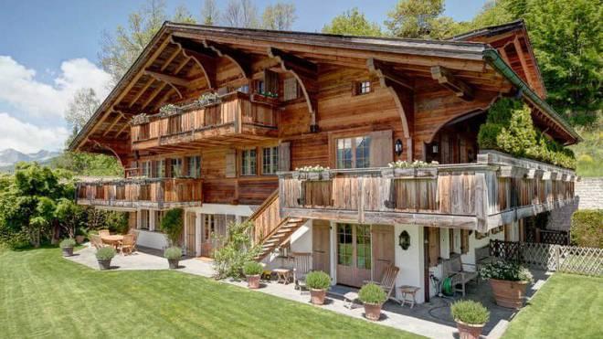 Zu haben: Chalet aus dem Jahr 2002 im Gebiet Oberbort in Gstaad. Foto: ho