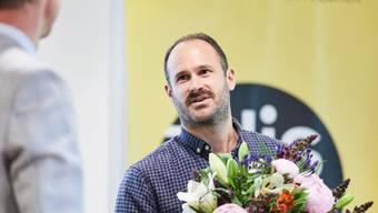 """Der diesjährige Preisträger des """"This-Priis"""" Sebastian Lanz, beschäftigt 14 Mitarbeitende, darunter zwei mit Handicap."""