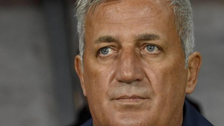 Vladimir Petkovic applaudiert seinem Team