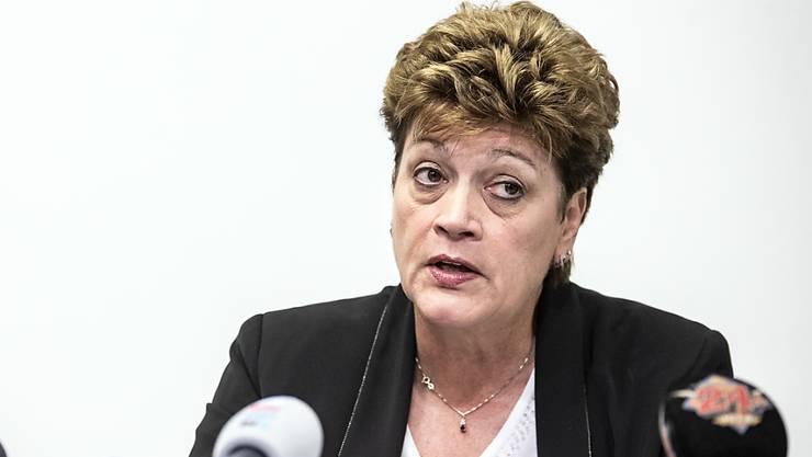 Lehrerinnen und Lehrer, wie auch die Leiter von Kantonsschulen, stellen sich hinter die kritisierte Zürcher Bildungsdirektorin Silvia Steiner. (Archivbild)