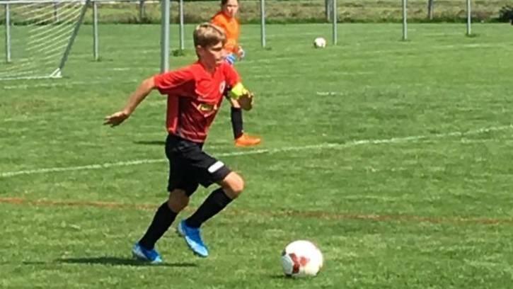 Das macht Luca Heuberger am liebsten: Fussball spielen.