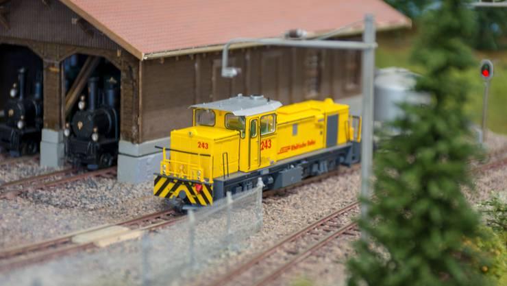 Diesellokomotive der Rhätischen Bahn auf der H0m Modulanlage von Ernst Burkhalter und Urs Huber.