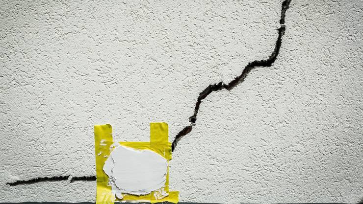 Solche Schäden, wenn sie von einem starken Erdbeben herrühren, sind in der Schweiz nicht abgedeckt. Symbolbild