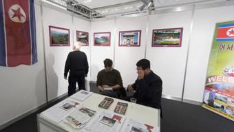 Der bescheidene Stand von Nordkorea an der Ferienmesse in Bern