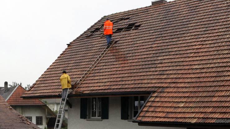 17. Juli 2009 Ein Sturmwind zieht über Mittelland und Oberaargau – und deckt in Recherswil ein Dach ab.