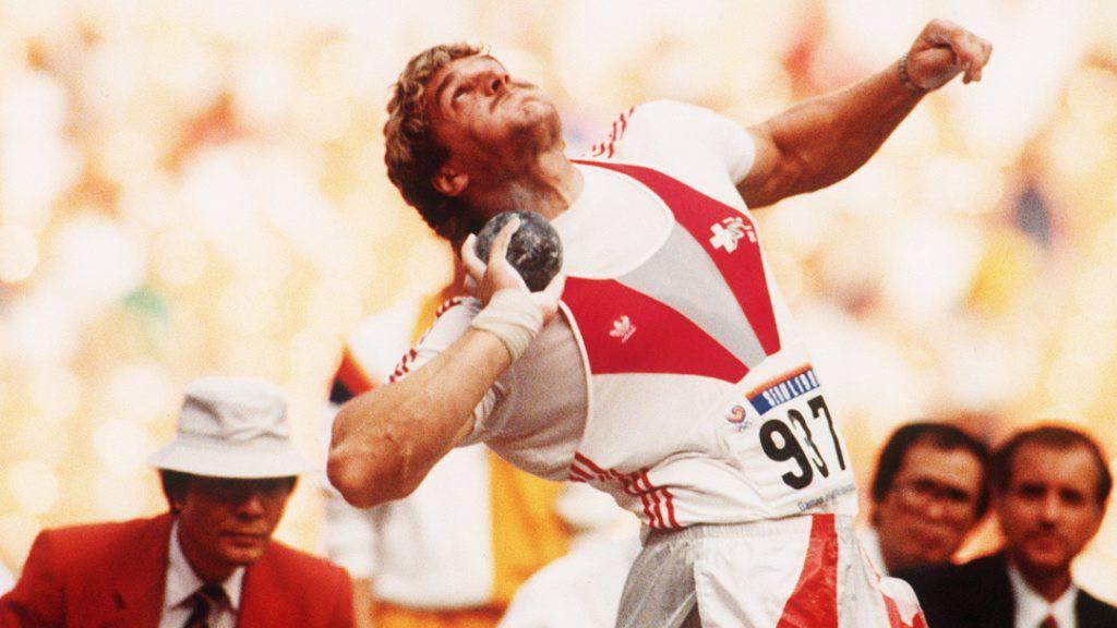 1988 stösst Werner Günthör die Kugel zu Olympia-Bronze
