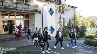 Die Bezirksschule Fahrwangen soll 2020 aufgehoben werden. (Archiv)