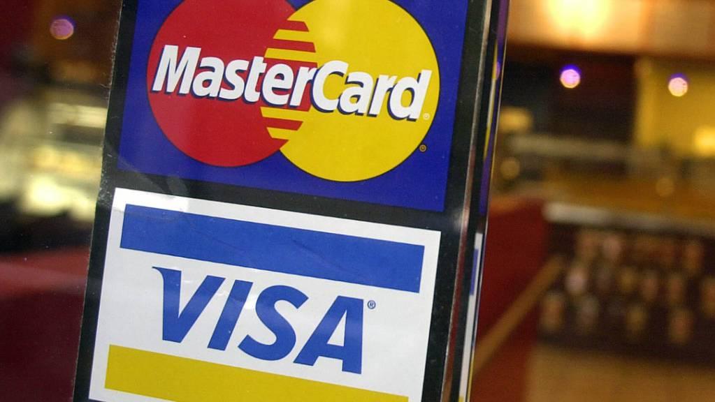 Wollen vorerst nicht mehr bei der von Facebook geplanten Digitalwährung Libra mitmachen: Die Kreditkartenfirmen Mastercard und Visa. (Symbolbild)