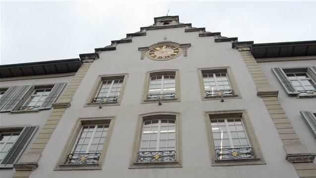 Die Bürgerlichen stimmen nicht mit dem Budget überein, das der Stadtrat beschlossen hat. Im Bild: Rathaus Aarau.
