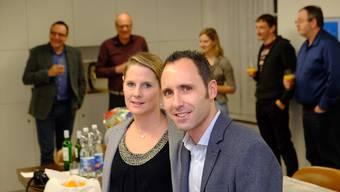Jeanine und Sascha Bossard wurden vom Gemeinderat feierlich empfangen.