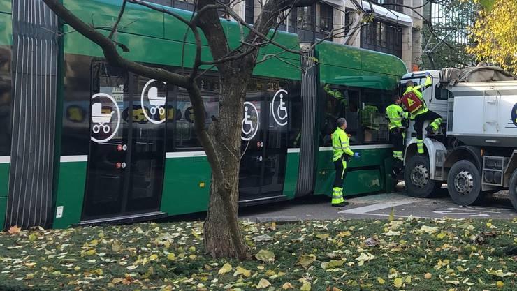 Der Unfall ereignete sich an der Hardstrasse, die Sanität war im Einsatz.