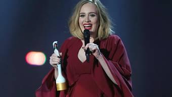 Gewinnt Preise am Laufmeter: Die Britin Adele könnte auch an der Echo-Preisverleihung abräumen (Bild der Brit Awards im Februar)