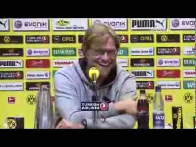 So schön wars mit Klopp Teil I: Journalisten-Schreck in Höchstform – Journalisten nahm der BVB-Coach gerne auf die Schippe.