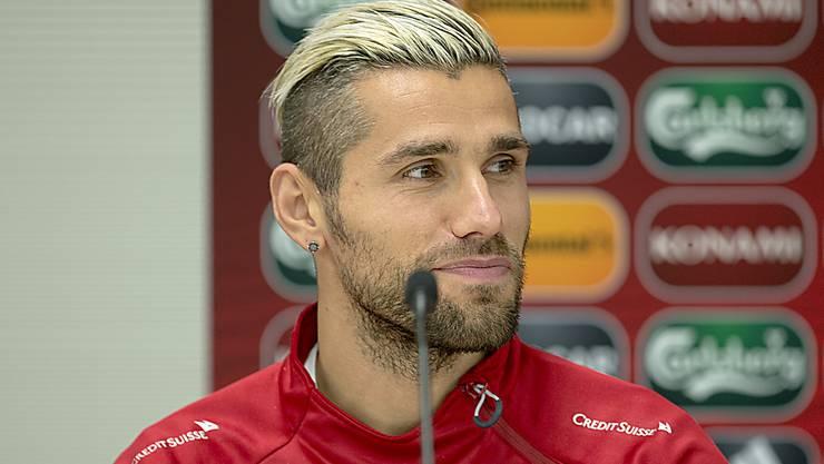 Kann nach seinem Wechsel zurück in die Premier League wieder lachen: Valon Behrami (Archivbild)
