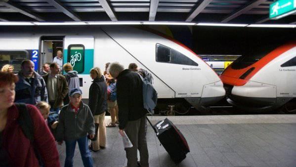 25 Prozent aller Flughafen-Benützer reisen mit öffentlichen Verkehrsmitteln.