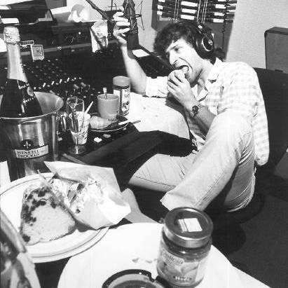 Thomas Diethelm beim Zmorge im Studio, 1985