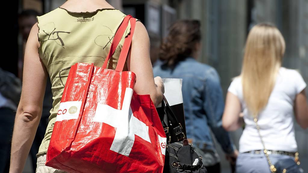 Länger «lädelen» am Samstag: das Berner Kantonsparlament hat längeren Ladenöffnungszeiten zugestimmt.