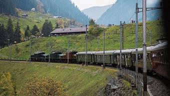 Viele begeisterte Eisenbahn-Nostalgiker haben im vergangenen Oktober an der Jubiläumsfahrt «100 Jahre Krokodil» teilgenommen.