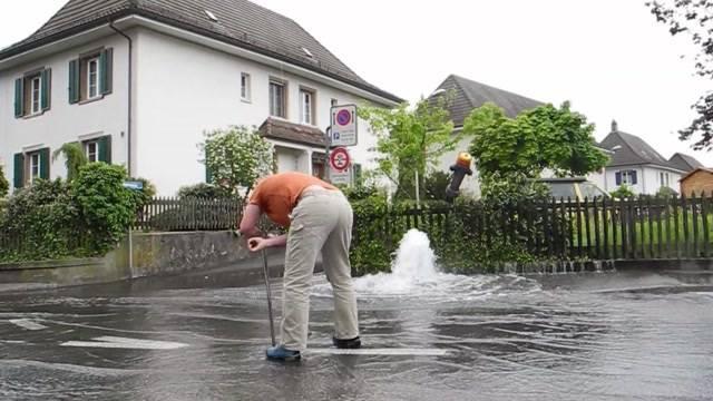 Gewaltige Wasserfontäne