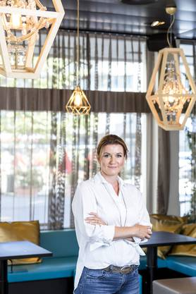 Nina Suma (44) ist seit letztem November Geschäftsführerin der ThermalBaden AG. Zuvor war sie Leiterin Marketing und stellvertretende Geschäftsführerin der RailAway. Suma wohnt in Buchs.