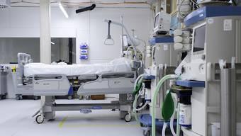 Aargauer Patienten mussten auf ausserkantonale Intensivstationen verlegt werden. (Symbolbild)