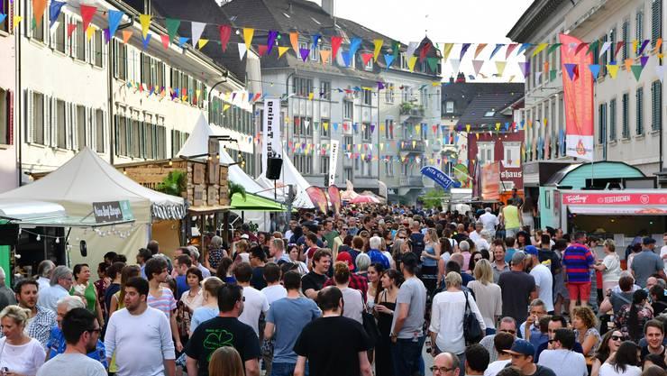 Das Streetfood Festival in Olten zieht die Massen an