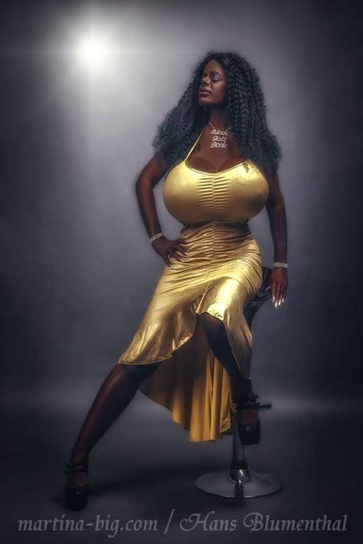 Martina Big (© Facebook/Martina Big)
