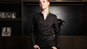 """Die Schweizer Spitzenköchin Meta Hiltebrand hat ihre Sache in """"Kitchen Impossible"""" wohl gut gemacht - jedenfalls bietet Vox sie für die zweite Staffel auf. (Bild Vox)"""