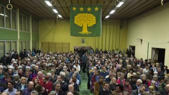 An der kommenden Gemeindeversammlung am 26. Juli, wird der Nachkredit zur Diskussion stehen. (Archivbild: Ausserordentliche Gemeindeversammlung, in Oberbözberg, 27. März 2013)
