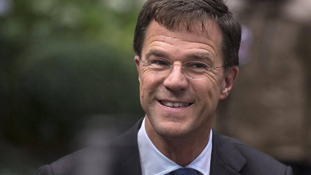 Der niederländische Regierungschef Mark Rutte musste sich am Mittwochabend wegen einer Justizaffäre einem Misstrauensvotum stellen: Er überstand es. (Archivbild)