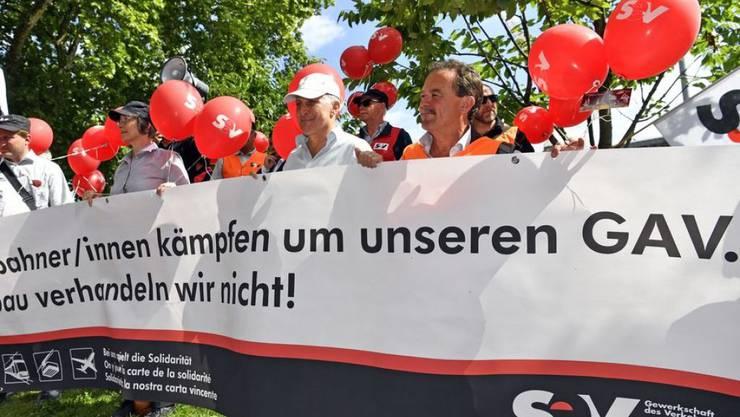 Mitte Juni waren Tausende SBB-Angestellte für ihren Gesamtarbeitsvertrag (GAV) auf die Strasse gegangen. (Archivbild)