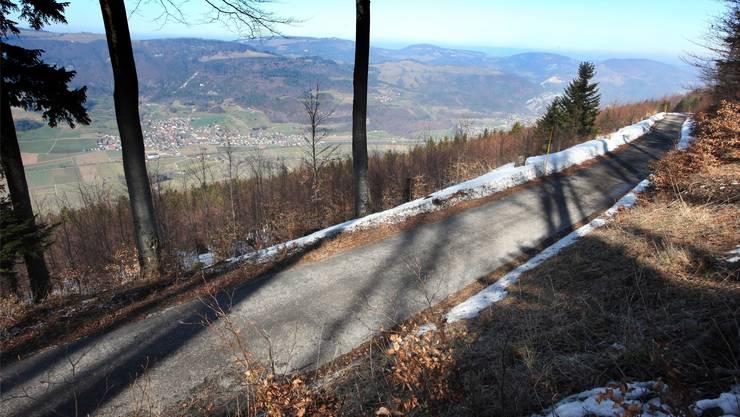 Das entscheidende Stück: Die Strasse zum Hellchöpfli oberhalb Laupersdorf. HR. Aeschbacher