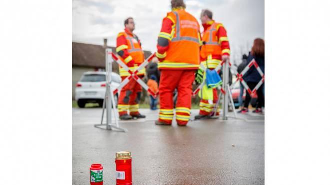 Feuerwehrleute am Tatort in Rupperswil. Sandra Ardizzone