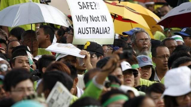 Malaysier demonstrieren gegen den Bau einer Raffinerie durch eine australische Firma