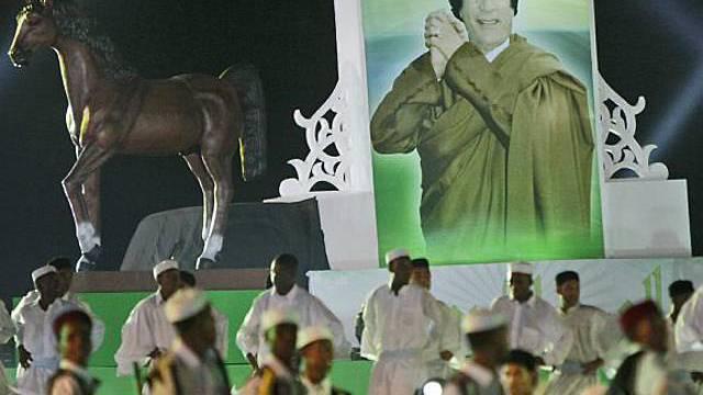 Muammar Gaddafi lässt die beiden Schweizer Geiseln noch nicht ausreisen.