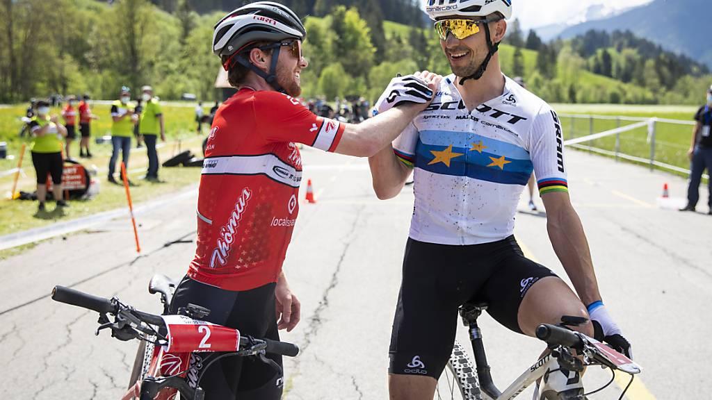 Zwei Schweizer Mountainbike-Trümpfe mit breiter Brust