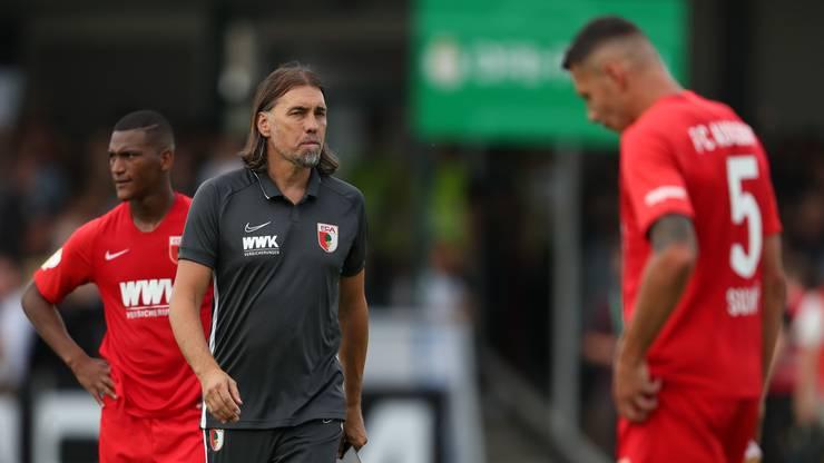 Marek Suchy hat Augsburg-Trainer Martin Schmidt bisher noch nicht viel helfen können.
