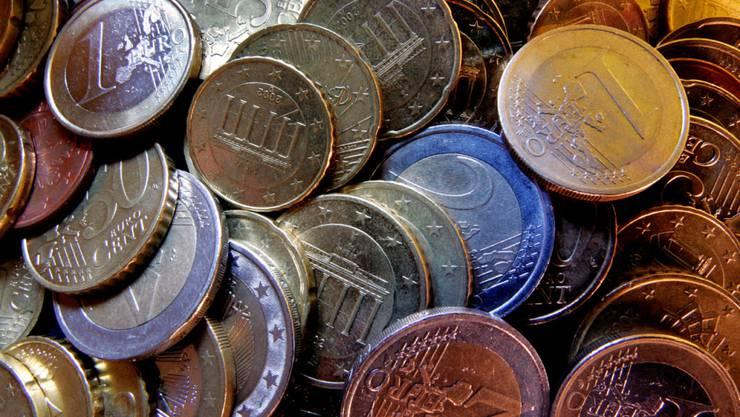 Verschärfte Kontrollen bei Bargeld-Transfers: EU-Behörden können künftig schon bei Beiträgen unterhalb der Anmeldeschwelle von 10'000 Euro tätig werden. (Symbolbild)