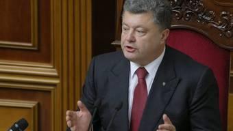 Poroschenko erlaubt Hilfe nach Telefonat mit Obama (Archiv)