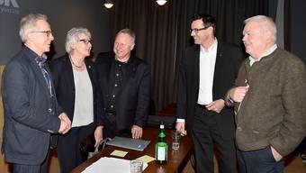 Der Vorstand des Vereins Aarau Standortmarketing um Dominik Wyss (Zweiter v. rechts) und (von links) Thomas Kähr, Esther Schmid, Daniel Thalmann und Marcel Suter.