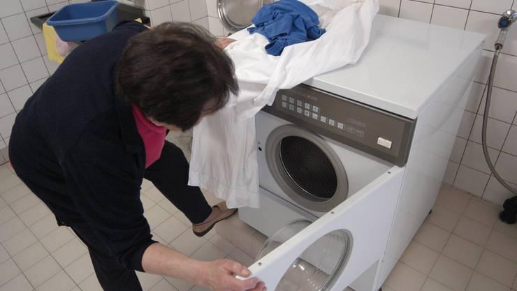 In der Waschküche wird viel Energie verbraucht.