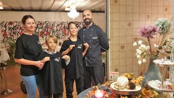 «Wir sind ein Familienbetrieb», sagt Rami Gashi, hier mit seiner Frau Gane sowie den Kindern Noel und Leon. Bild: zvg
