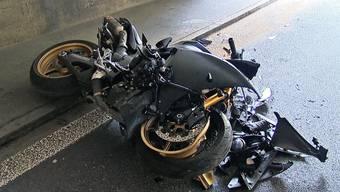 Der Motorradlenker wurde bei der Kollision mittelschwer verletzt (Symbolbild).