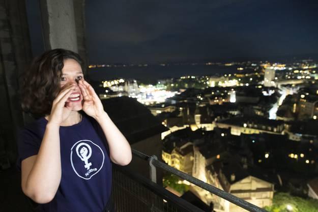 Turmwächterablösung durch Frauen in der Nacht auf Freitag.