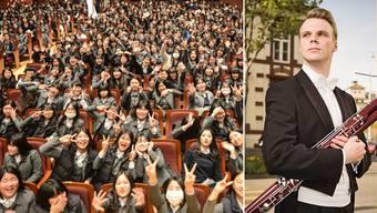 Volles Haus und gute Stimmung: Hunderte von koreanischen Gymnasiastinnen besuchen eine Probe des Sinfonieorchesters und trauen ihren Augen nicht über die blonden Musiker.
