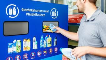 Getränkekarton- und Plastikflaschenrecycling (ALDI SUISSE)
