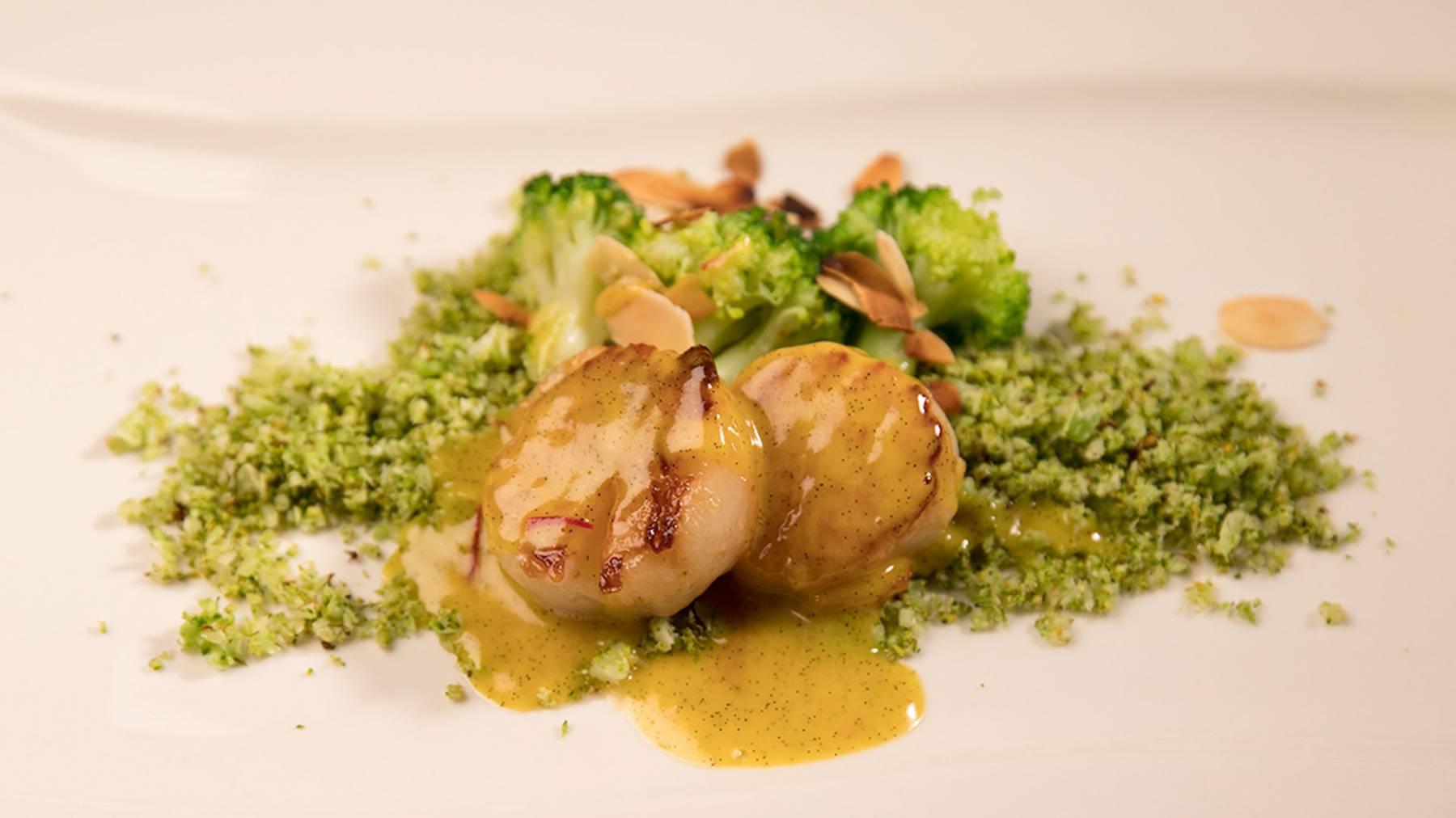 Jakobsmuscheln mit Broccoli-Couscous