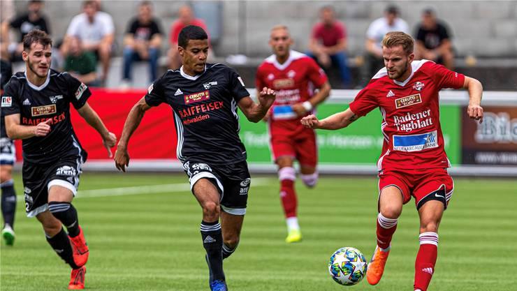 Auswärts gefordert: Torgarant Christopher Teichmann (r.) trifft mit dem FC Baden auf Biel.