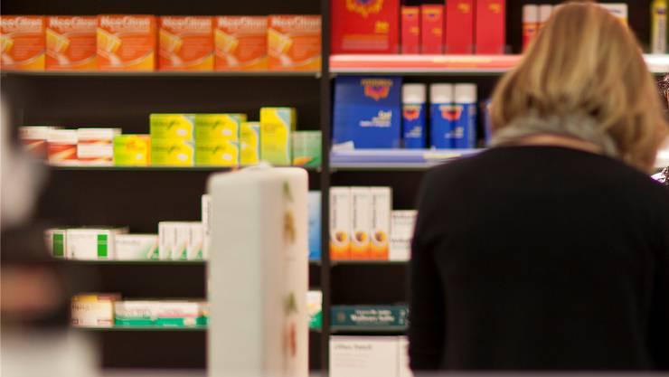 Wer ausserhalb der Öffnungszeiten notfallmässig ein Medikament aus der Apotheke braucht, muss sich umorientieren. (Symbolbild)