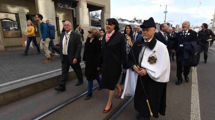 Elisabeth Ackermann führt die Übernahme von Zürich an.